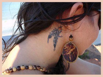 tatuaje mujeres cuello infinito foto